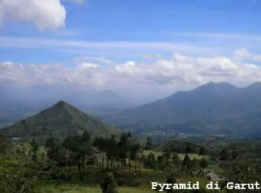 Javanese Pyramid Older Than Egyptian Pyramids